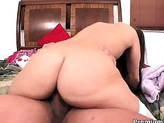 Gracie Glam sucks like no other and hard dicked guy knows it