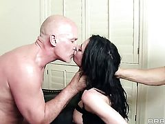 Mr. Pete inserts his fuck stick in sultry Bonnie Rottens asshole