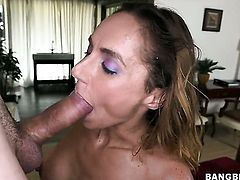 Fiona Rivers is extremely horny after tugjob