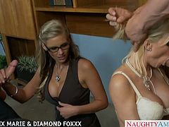 Amazing blonde babes Phoenix Marie and Diamond Foxxx gets fucked in foursome