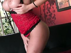 Jenna Presley with massive jugs and trimmed beaver cant stop toying her pussy