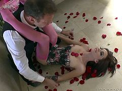 Kiera receives the visit of an elegant man, who brings her a flower bouquet. The bitch lays down on the floor covered with red roses, while her pink panties are removed with soft motions. Click to see the sensual babe wearing sexy lingerie, enjoying how the guy eats her peachy pussy...