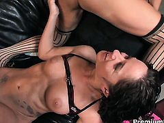 Mischa Lynn with giant melons and Tara Holiday makes her lesbian sex dreams a come to life