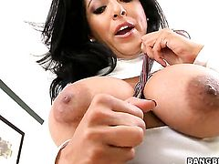 Kiara Marie is a facial cum slut