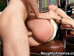 Rebeca Linares and hot dude James Deen are in the mood for fucking
