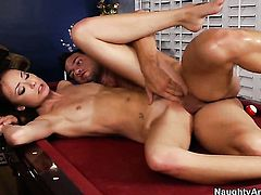Johnny Castle gets seduced into fucking by Zoe Voss