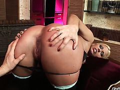 Simony Diamond is on the way to anal orgasm with horny guy Ian Scott after deep blowjob