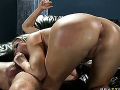 Scott Nails fucks Abbey Brooks with juicy breasts as hard as possible in steamy anal action