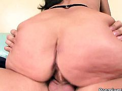 Margo Sullivan with huge boobs knows how to take oral sex to the whole new level