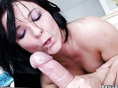 Irresistibly hot hoochie Casey Cumz is in need of sexual pleasure after tugjob
