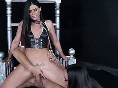 Its a real foursome going on! Meet Ariella Ferrera,India Summer,Veronica Avluv and Keiran Lee as they get on Johnny Sins shit like true pro hookers that they are.