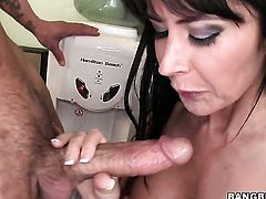 Eva Karera does dirty things and then gets jizz covered