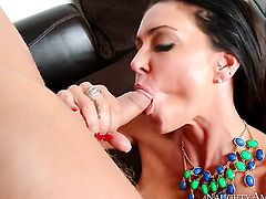 Big dick gets inserted into Jessica Jaymes