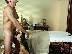 Svelte tanned brunette with natural tits repays for massage with BJ