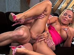 Petite blond haired girlie gets her anus ruined in sideways style hard
