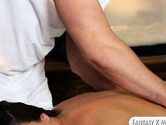 Sexy client Rahyndee gets nailed by her horny masseur