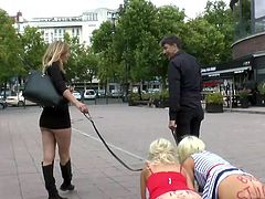 It seems that Mona Wales has got new pets. Two gorgeous blondes, Laela Pryce and Manu Magnum, are willing to walk obediently on a leash, in the city center, along the streets full of people, just for the pleasure of their mistresses. Very obedient pets! Enjoy!