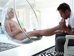 FantasyHD - Zoey Paige gets her feet fucked