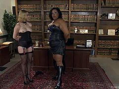 If you're interested in how to dominate your partner, now you can learn from the best instructor! Click to watch an ebony mistress, explaining the basic ways in which one could dominate his or hers slutty partner... See the naughty obedient blonde babe carefully listening the indications.