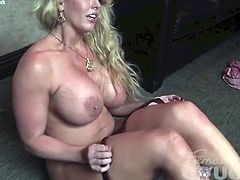 Alura Jenson Gets Dirty