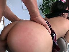 Oiled up milf ass of a brunette babe Jennifer White