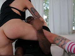 Nikki is horny and lets her ebony partner take off her jeans, and touch her buttocks. She gets really turned on, when he begins to eat her cunt passionately. Click to watch the short-haired brunette with small tits sucking cock.