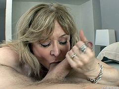 Mature pornstar in glasses is in need of a thorough pussy drilling
