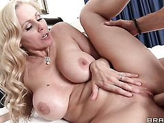 Johnny Sins gets pleasure from fucking Julia Ann with juicy tits in her love hole