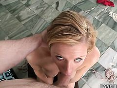 Blonde Jessica Heart lets man bang her sweet mouth
