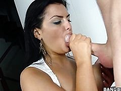 Jasmine Black shows her love for sperm in steamy cumshot scene