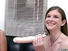 Kacee Daniels and Lara Brookes screams from endless orgasms after rubbing each others lesbian muff pie