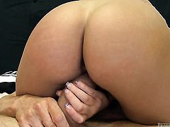 Peter North has a great time banging incredibly hot Alexis Monroes mouth