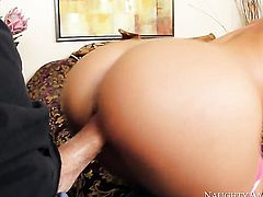 Bill Bailey gets turned on to the point of no return by Jada Stevens with juicy ass and bald cunt and then bangs her beaver