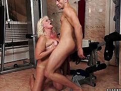 Blonde Judi shows off her sexy body as she gets her mouth fucked by mans rock hard fuck stick