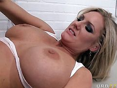 Fucklilicious MILF Zoey Holiday with big boobies and ass