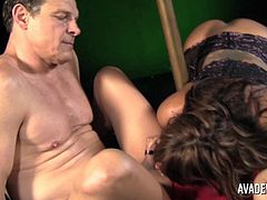 Ava Devine in Shemale threesome with Carmen