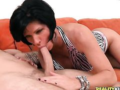 Mature cant stop sucking in steamy oral action with hard dicked dude