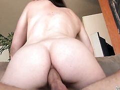 Jennifer White is one oral slut that gives guys thick tool a try