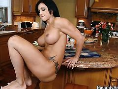 Jewels Jade with massive melons and trimmed pussy takes Danny Mountains meat stick up the bum
