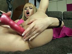 Abbie Cat and Jessie Volt enjoy lesbian sex they wont soon forget