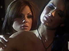 Kirsten Price shows off her sexy body as she gets her fuck hole fingered by lesbian Alektra Blue