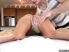 Ultra hot whore Rachel Roxxx with massive jugs feels the best feeling ever with guys sticky man semen all over her face
