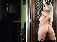 Sophia Knight cant live a day without touching her twat