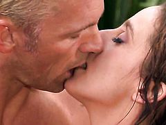 Angelic porn diva Poppy Morgan gets her mouth stretched by beefy sturdy worm of hot guy