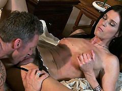 India Summer makes dudes rock hard tool disappear in her mouth in sexual ecstasy