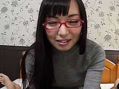 Chiemi Yada gives giving oral pleasure to her horny bang buddy