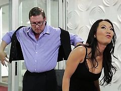 Asa Akira has oral sex of her lifetime with hot guy