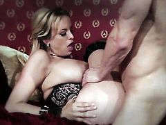 Stormy Daniels lets man insert his cock in her mouth
