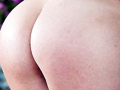 Jelena Jensen strips and plays with her snatch