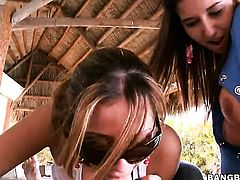Brunette Nena Linda gets her vagina stretched by lesbian Lexxxi Lockhart